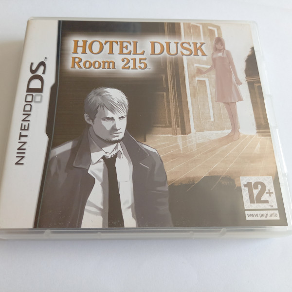 Hotel Dusk Room 215 - DS