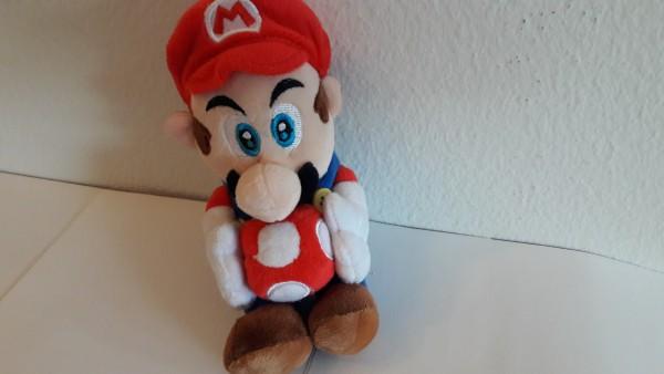 Mario mit Pilz - Plüschfigur