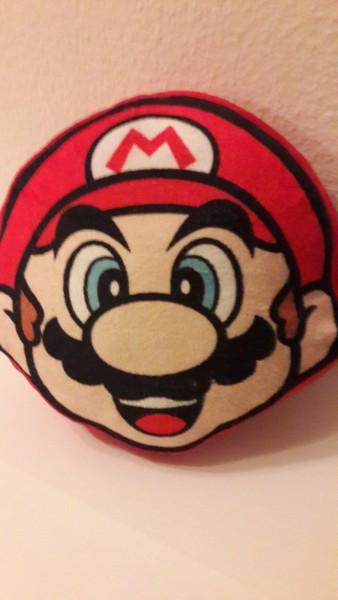 Mario Kissen - Plüschfigur - 20x20