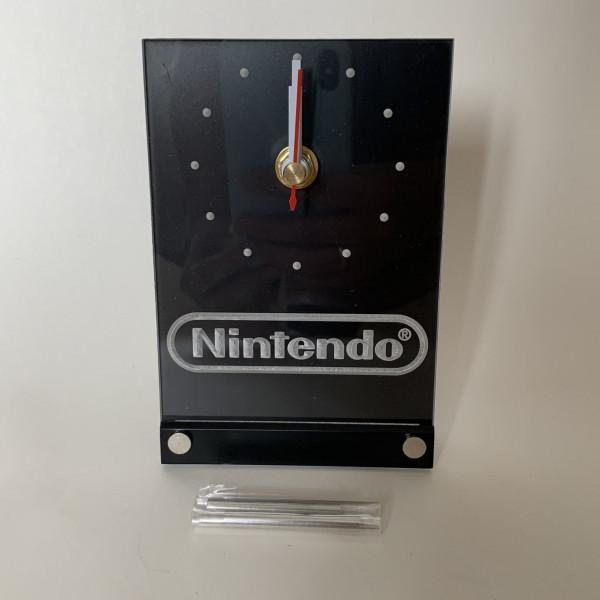 Nintendo Logo - Uhr - LED